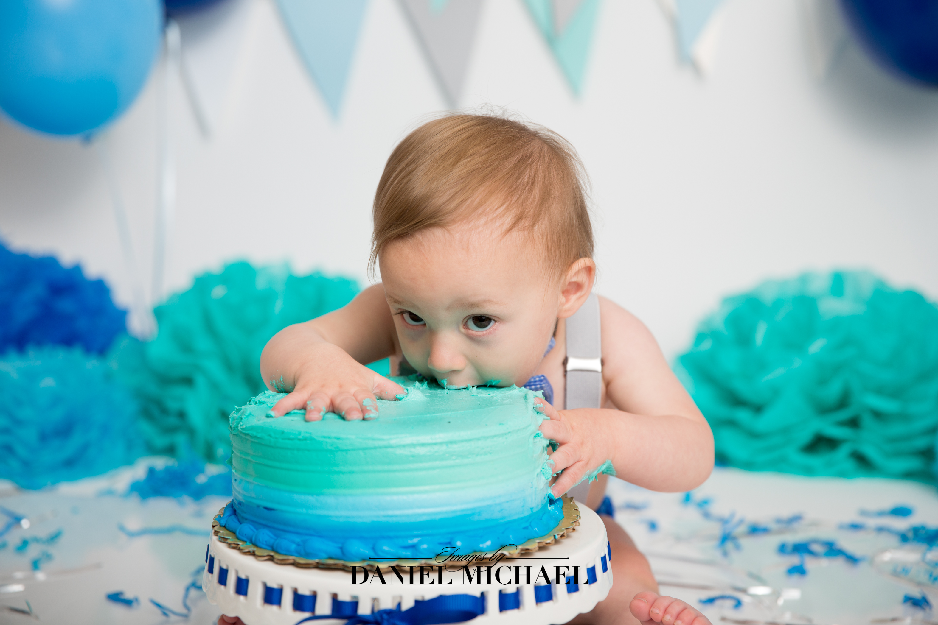 Cincinnati Cake Smash, Studio Portraits, First Birthday Photography, Daniel Michael, Jessica Rist