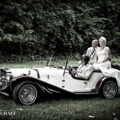 Wedding Photos in Classic Car