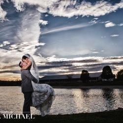 lake lyndsey, cincinnati, wedding photographer, sunset, bride and groom kissing