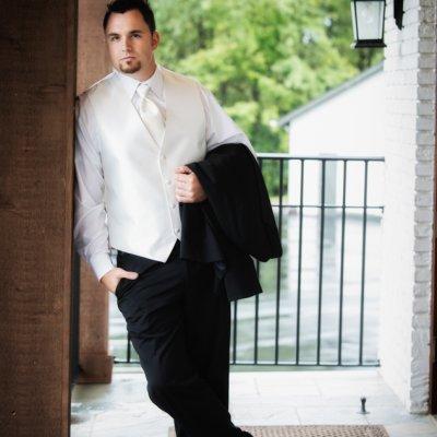 Groom Cincinnati Wedding Photography