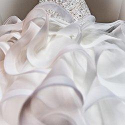 cincinnati wedding, photography, bridal gown, ruffles