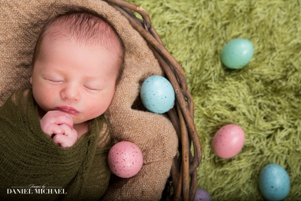 Newborn Easter Photography, Easter Portraits, Infant Pictures