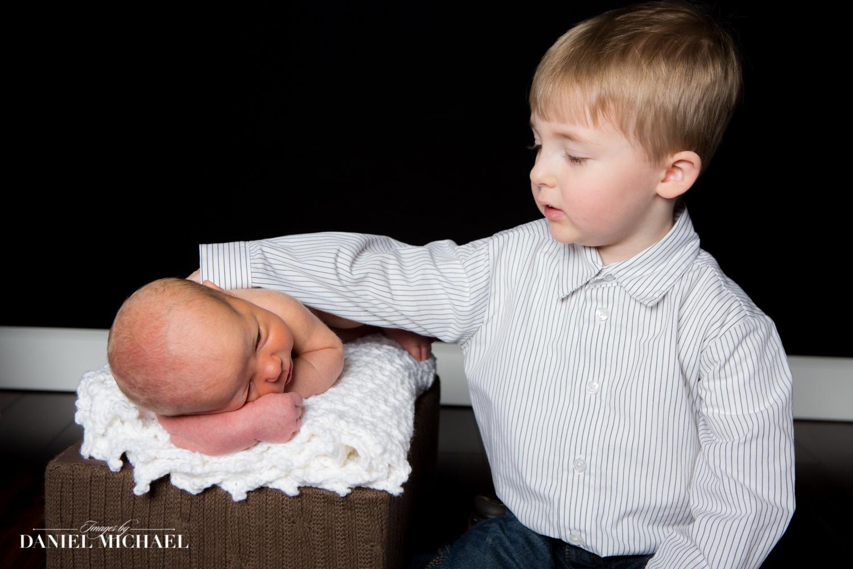 Newborn Sibling Photos, Newborn Photography