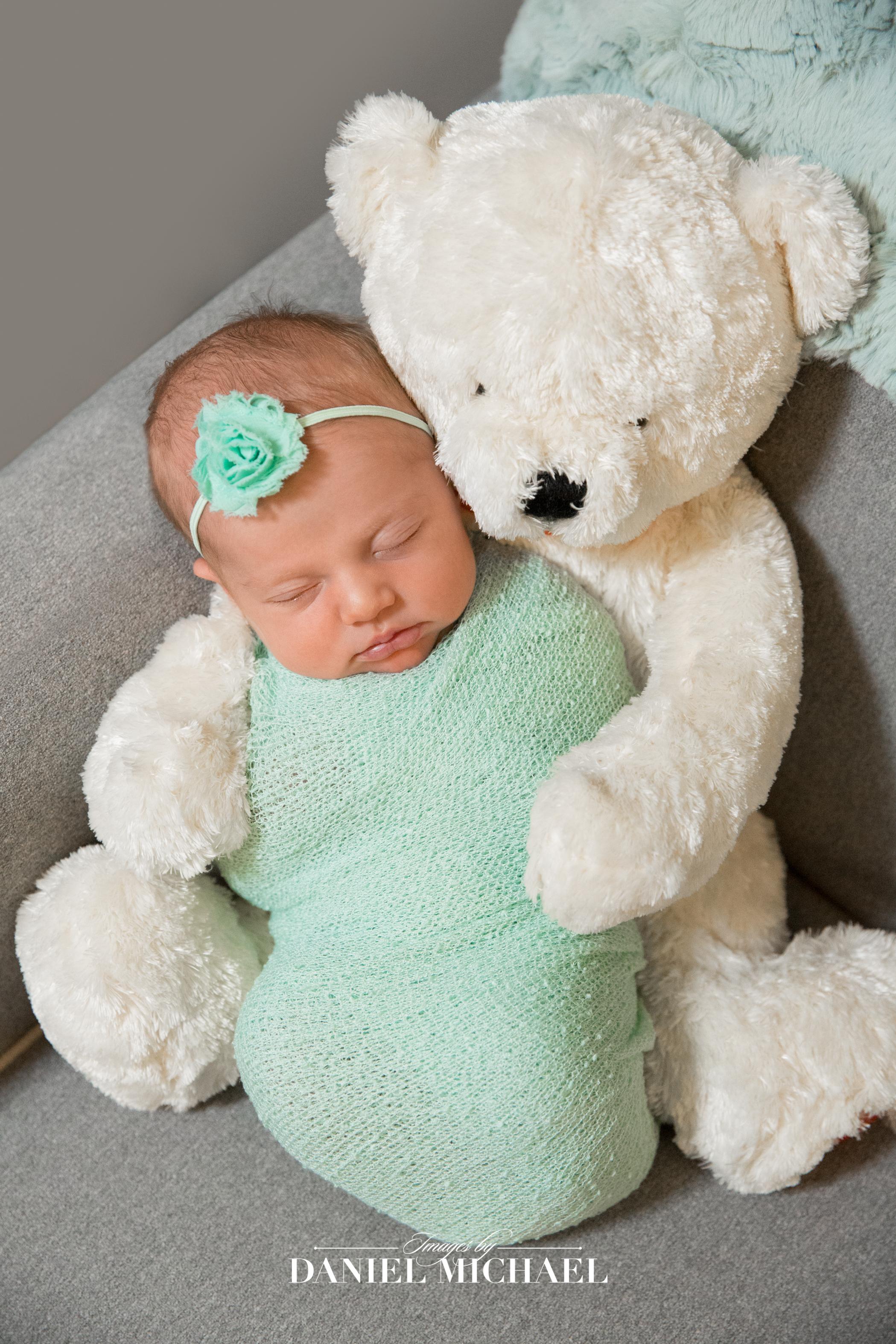 Cincinnati Lifestyle Photographer, Lifestyle Newborn, Newborn Girl, Jessica Rist