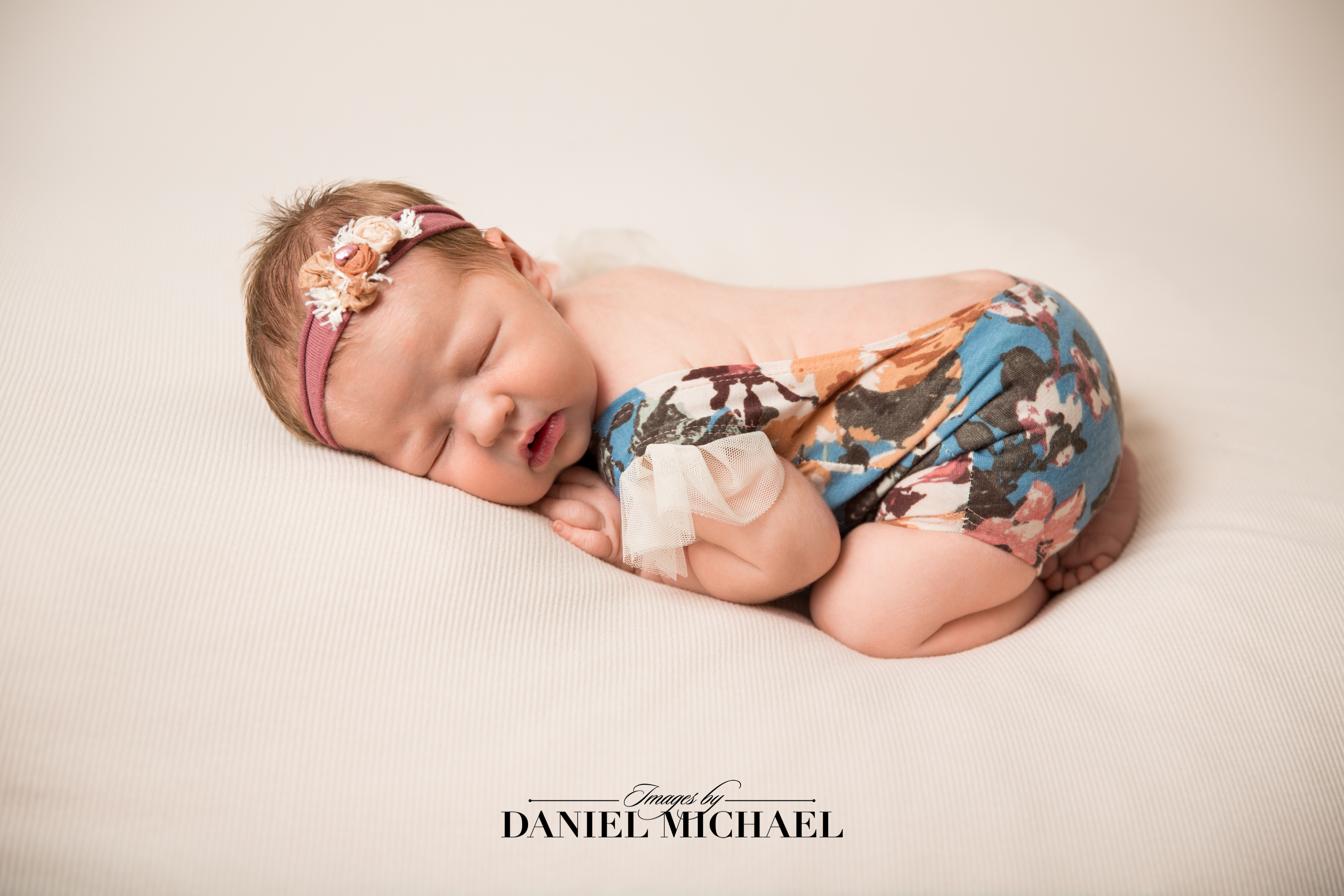 Newborn Photography, Cincinnati Newborn Photos, Studio Photography, Jessica Rist
