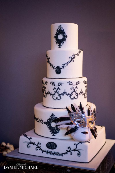 Tres Belle Wedding Cakes