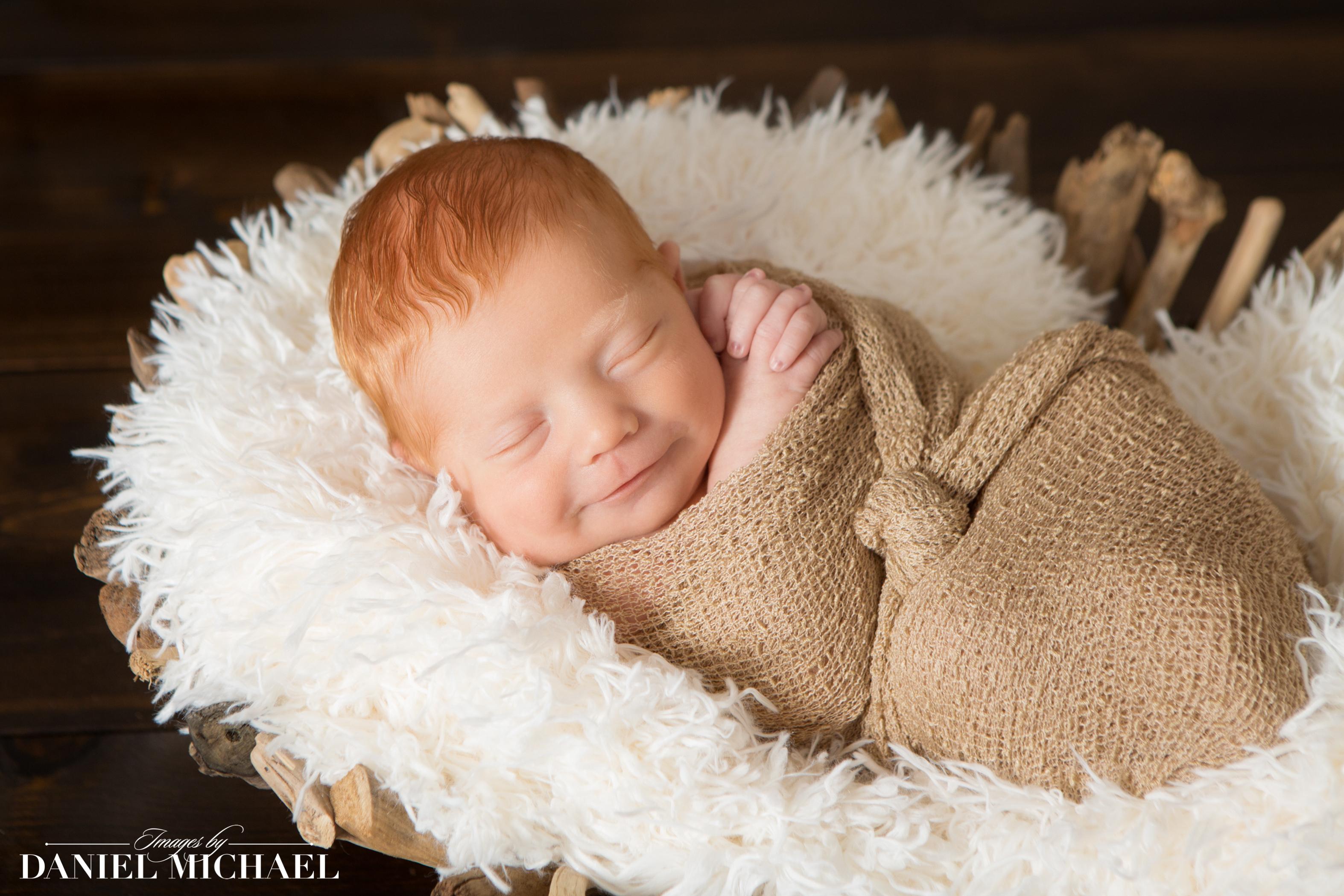 Newborn infant photography in cincinnati oh