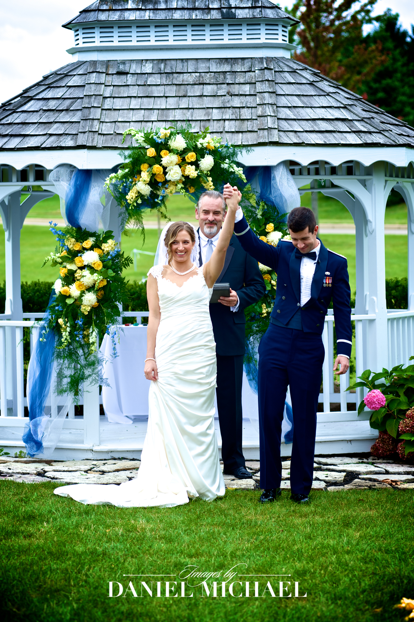 Beavercreek Golf Ceremony Venue Wedding Photography
