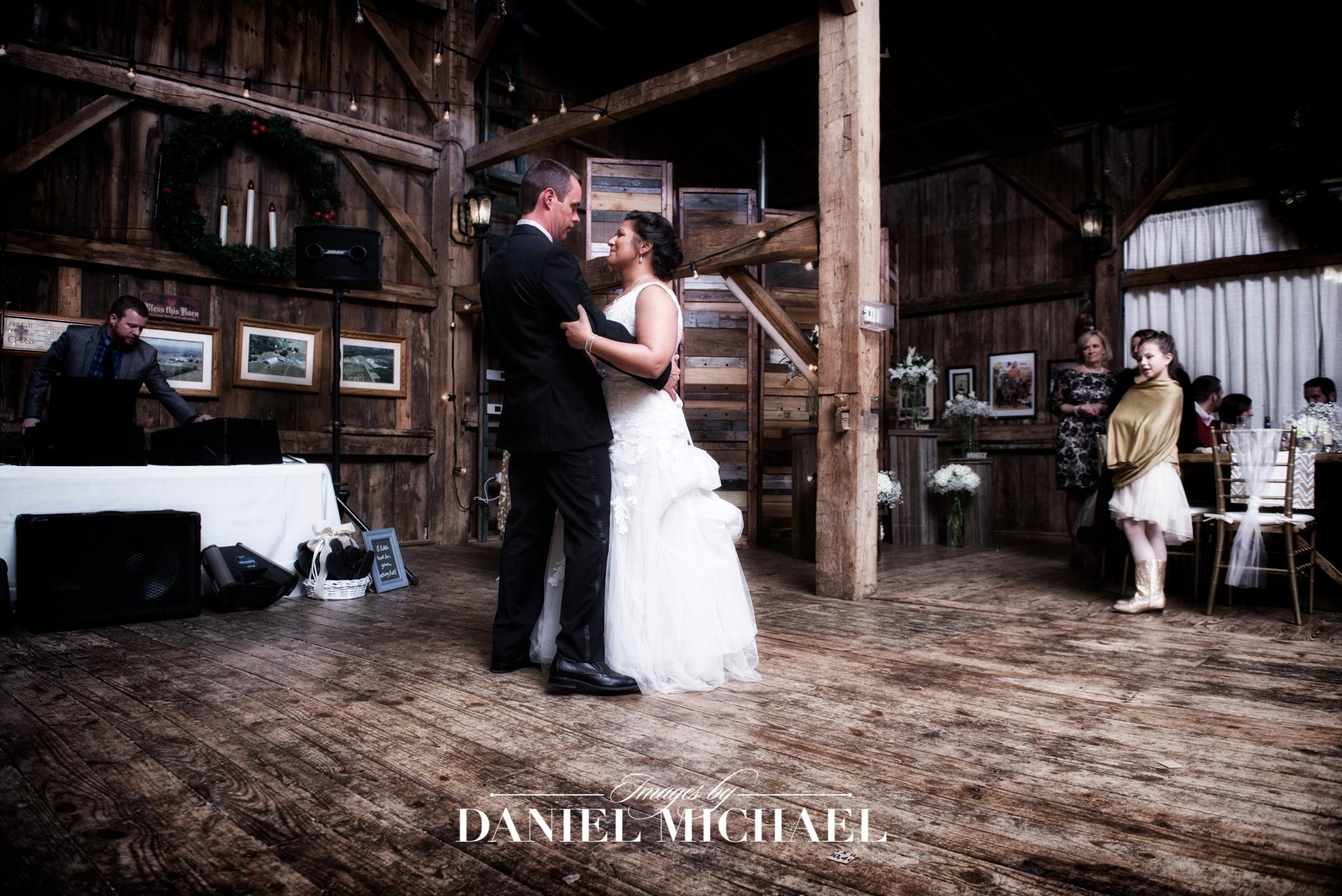 Niederman Farm Wedding Venue Reception Ceremony Photographer