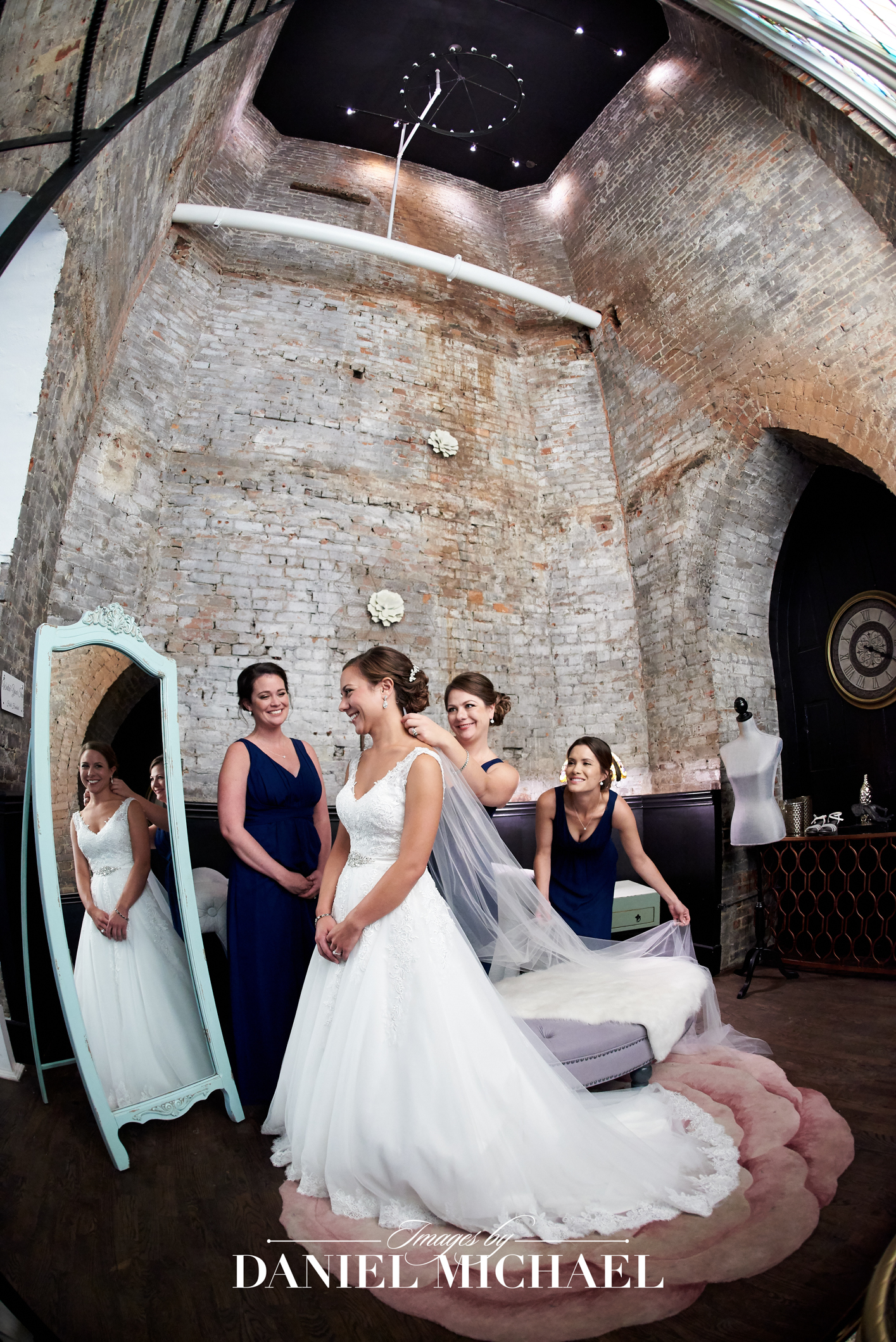 Transept Wedding  Venue Photographer