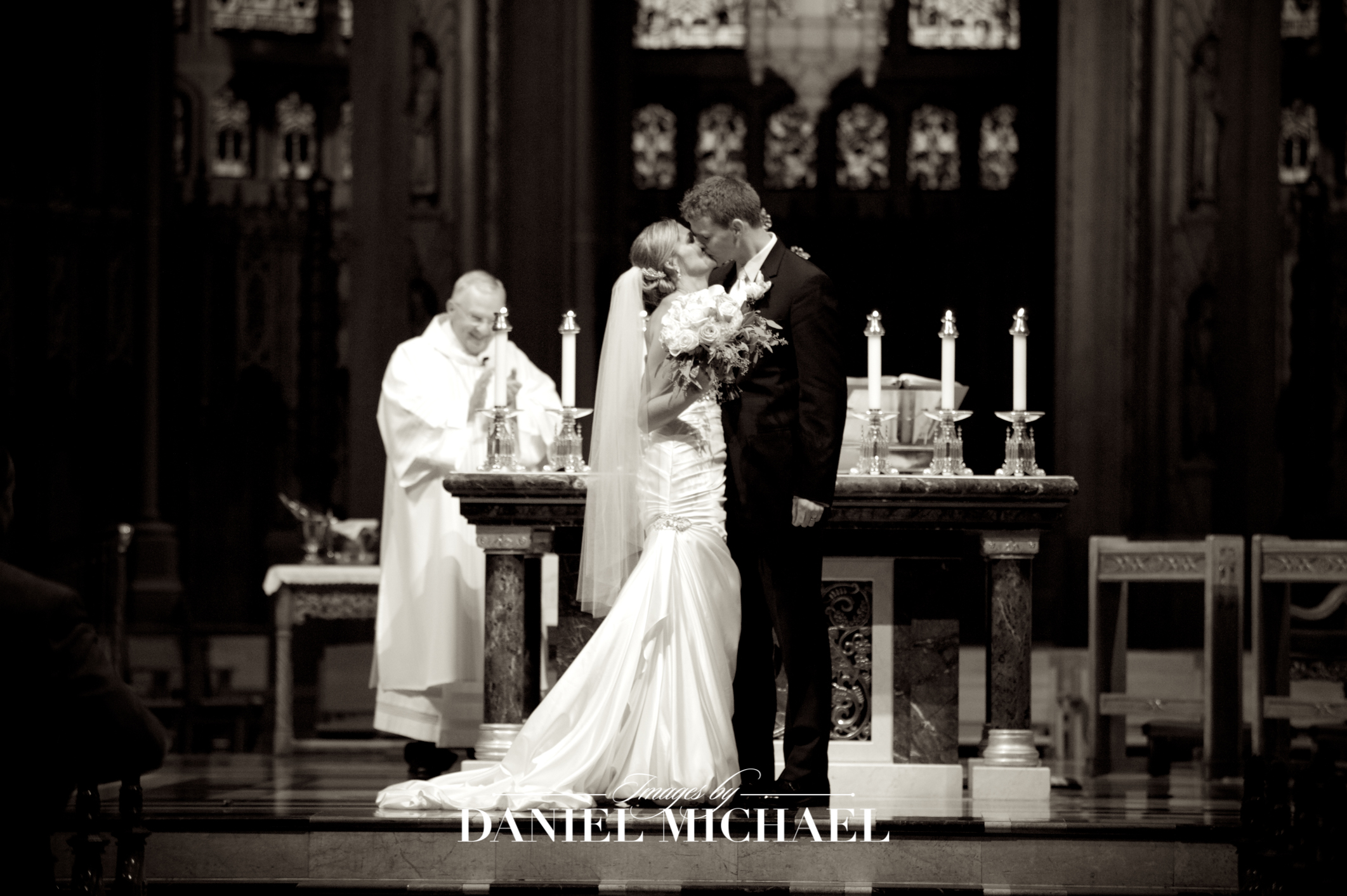 Cathedral Basilica Covington Wedding Venue Ceremony