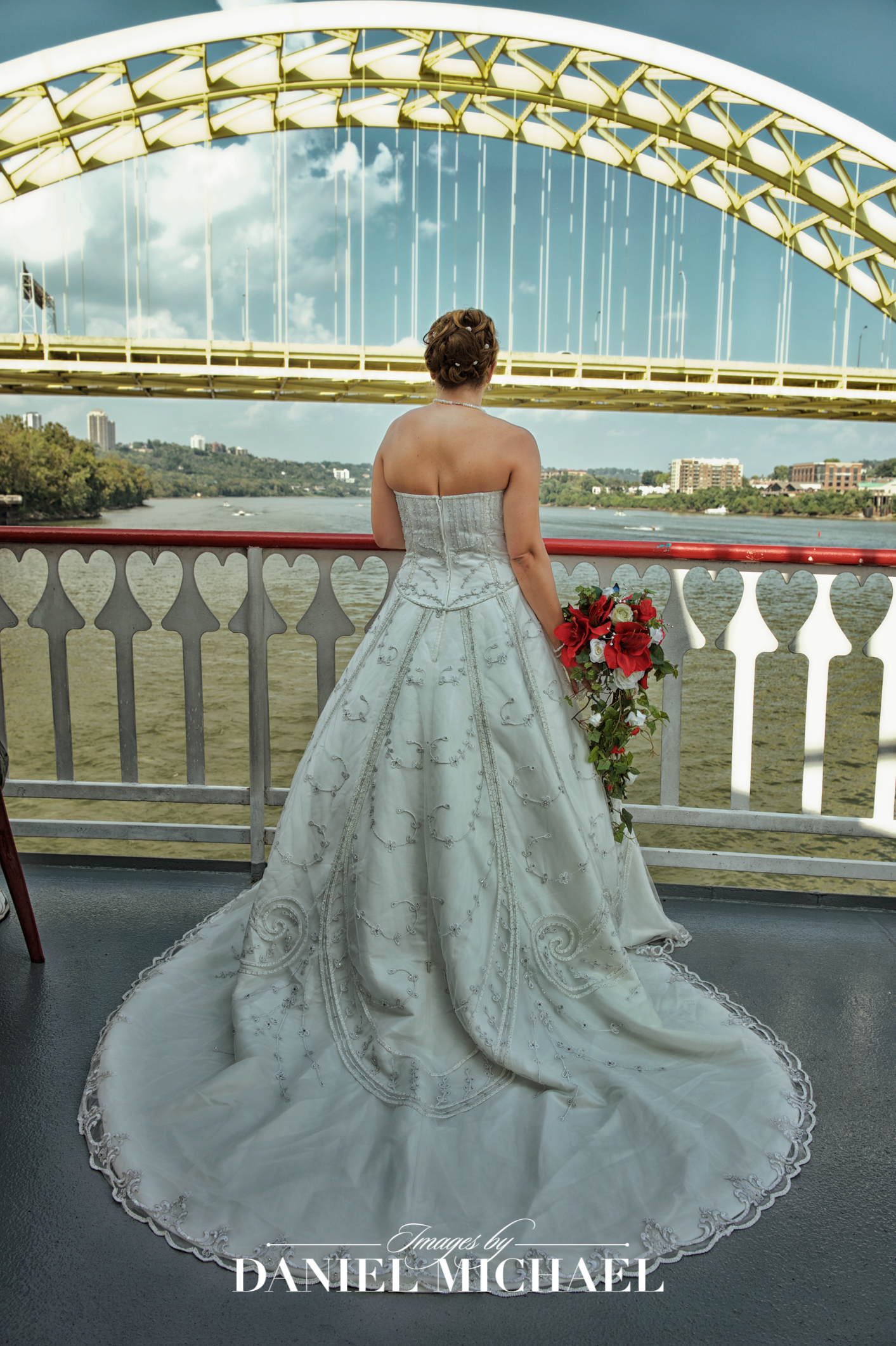 BB Riverboat Wedding Venue Photography