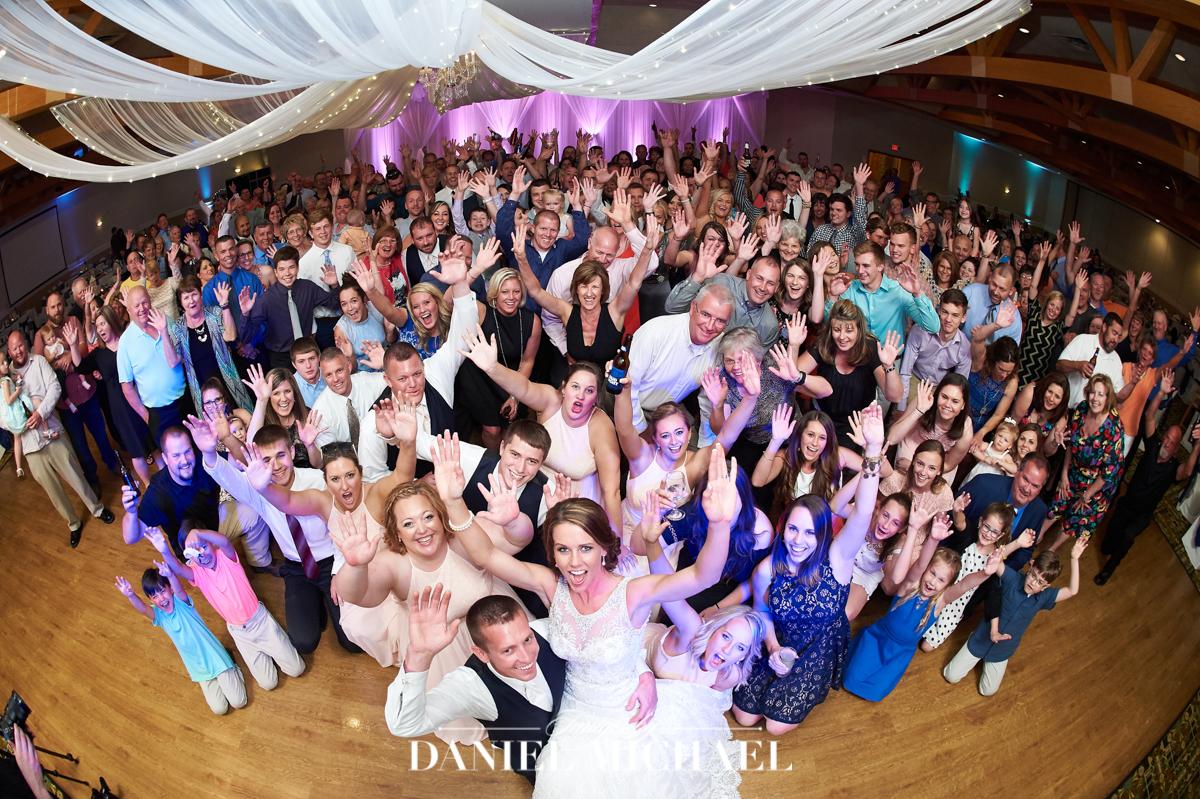 receptions erlanger, wedding reception venue, group photo