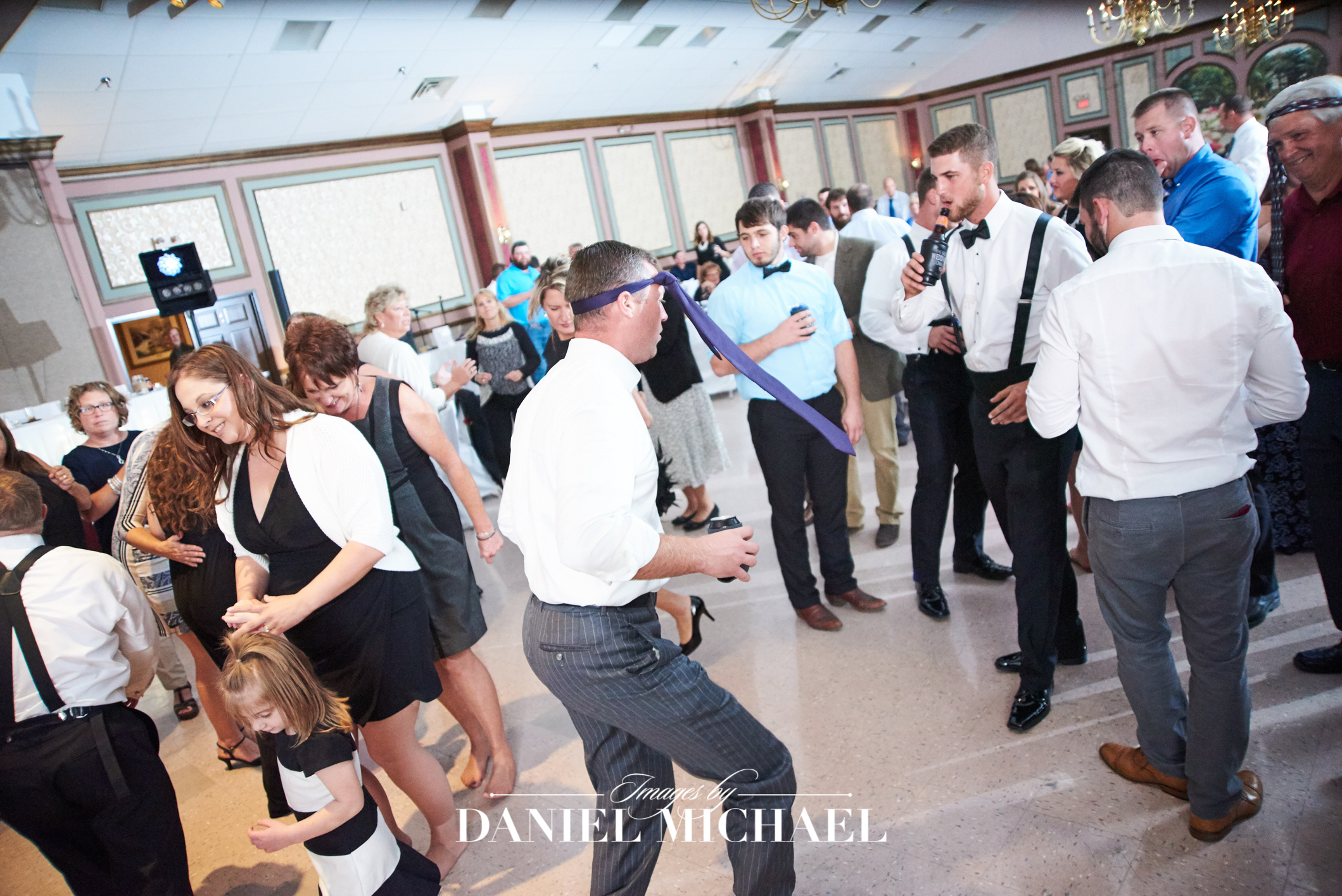 Kolping Center Venue Wedding Photography dance
