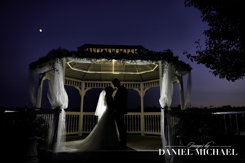 Lake Lyndsay Wedding Photo