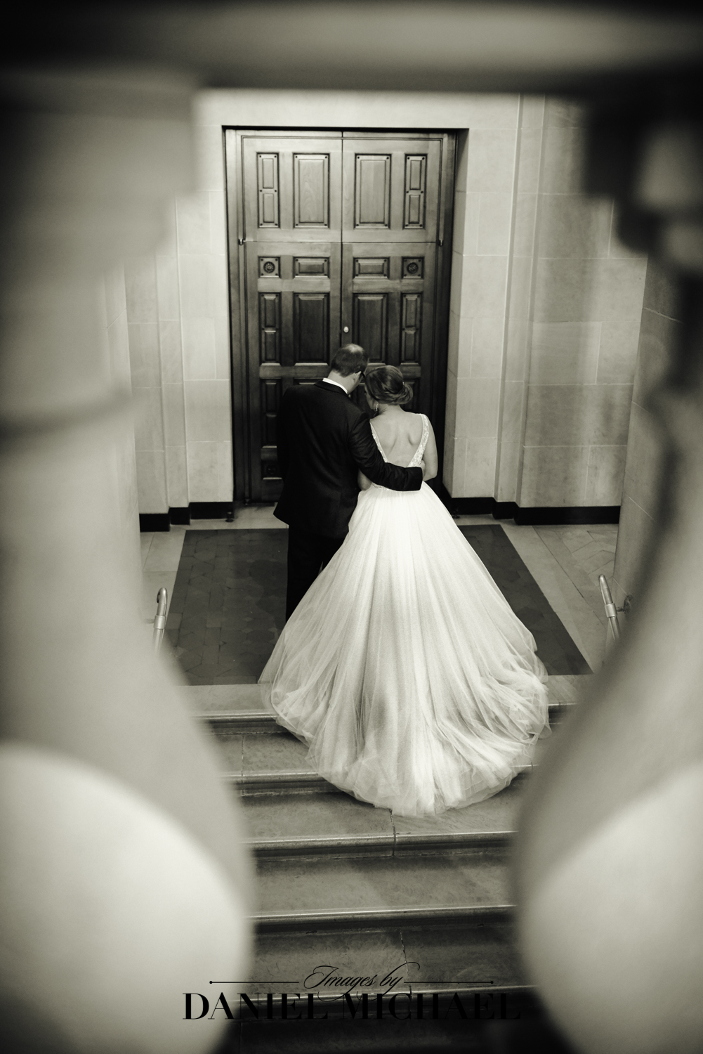 Dayton Art Institute Wedding Photo