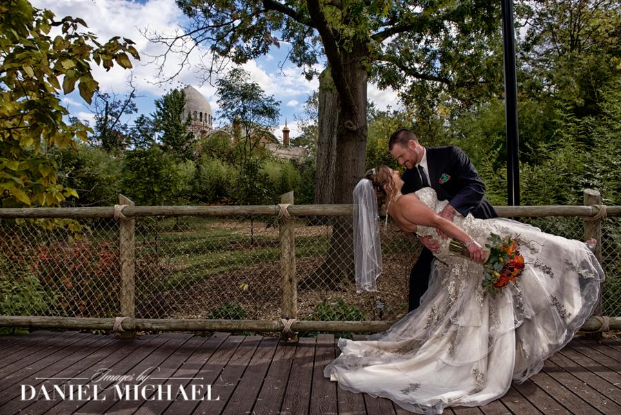 4a8e84faa139 Wedding Photographers Cincinnati Zoo