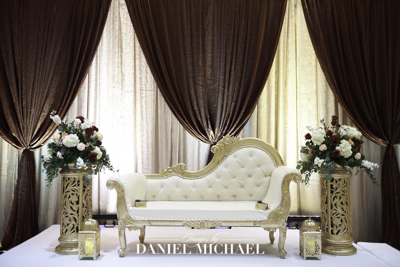 Savannah Center Wedding Decor