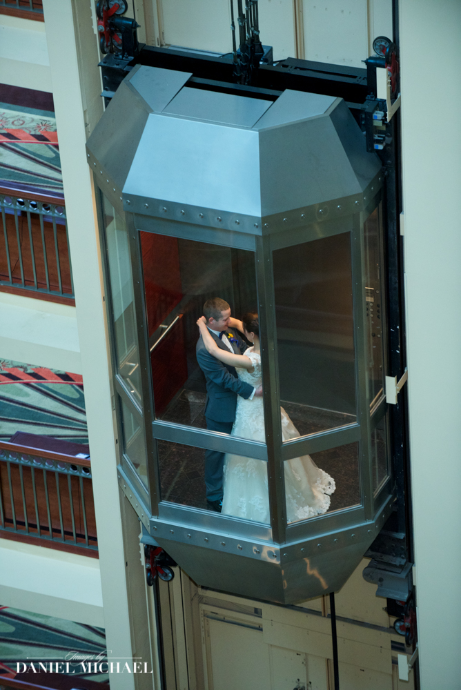 Marriott Rivercenter Wedding Photographers