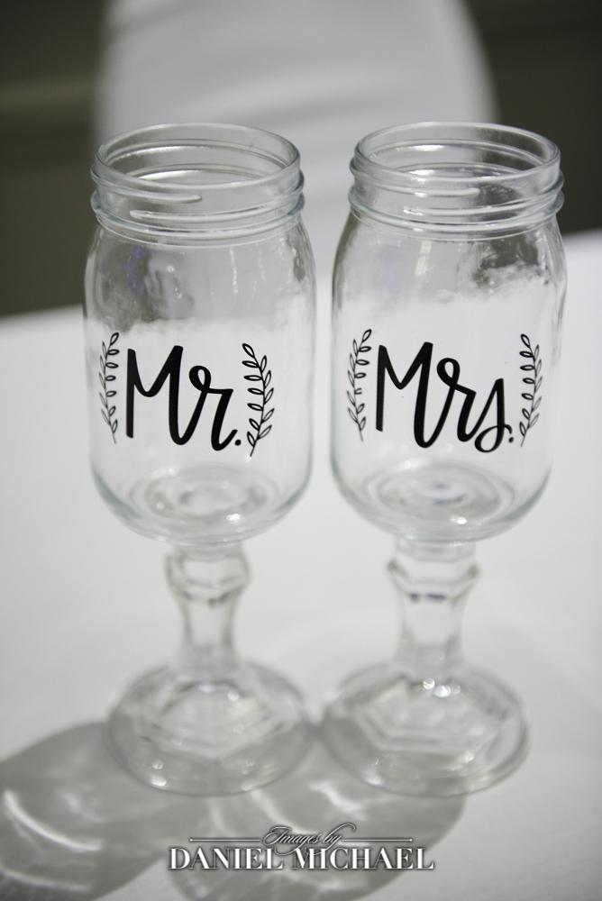 Mason Jar MR and MRS toasting glasses