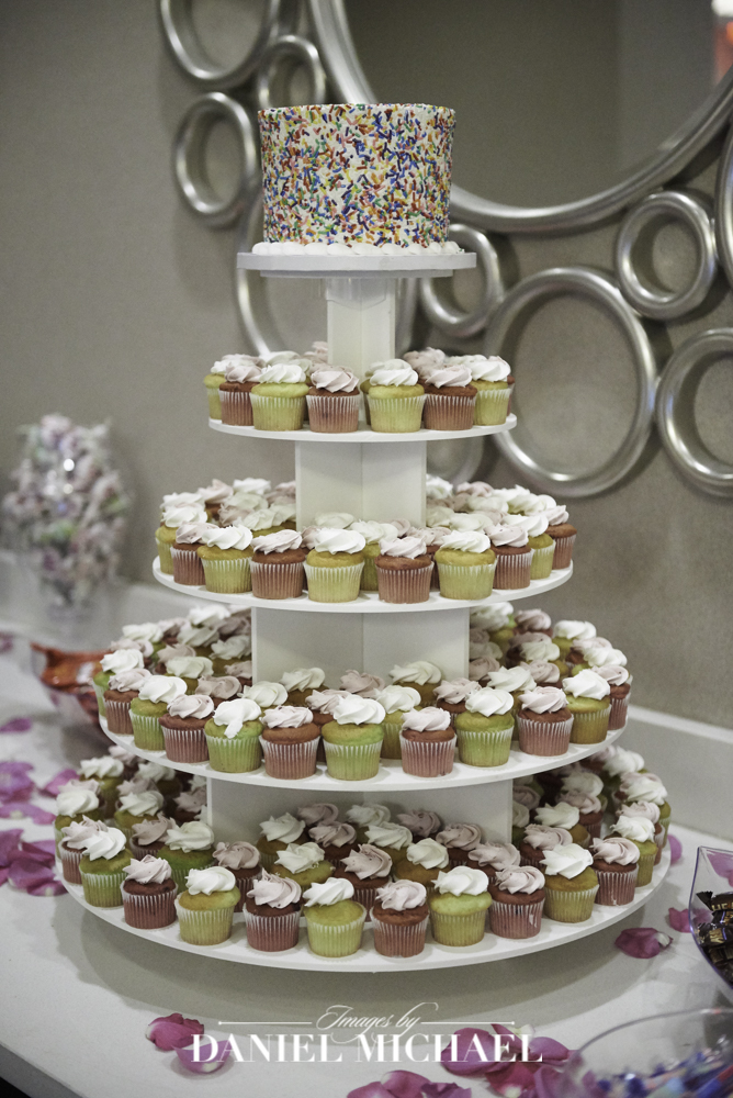 Tres Bell Wedding CupCake Photos