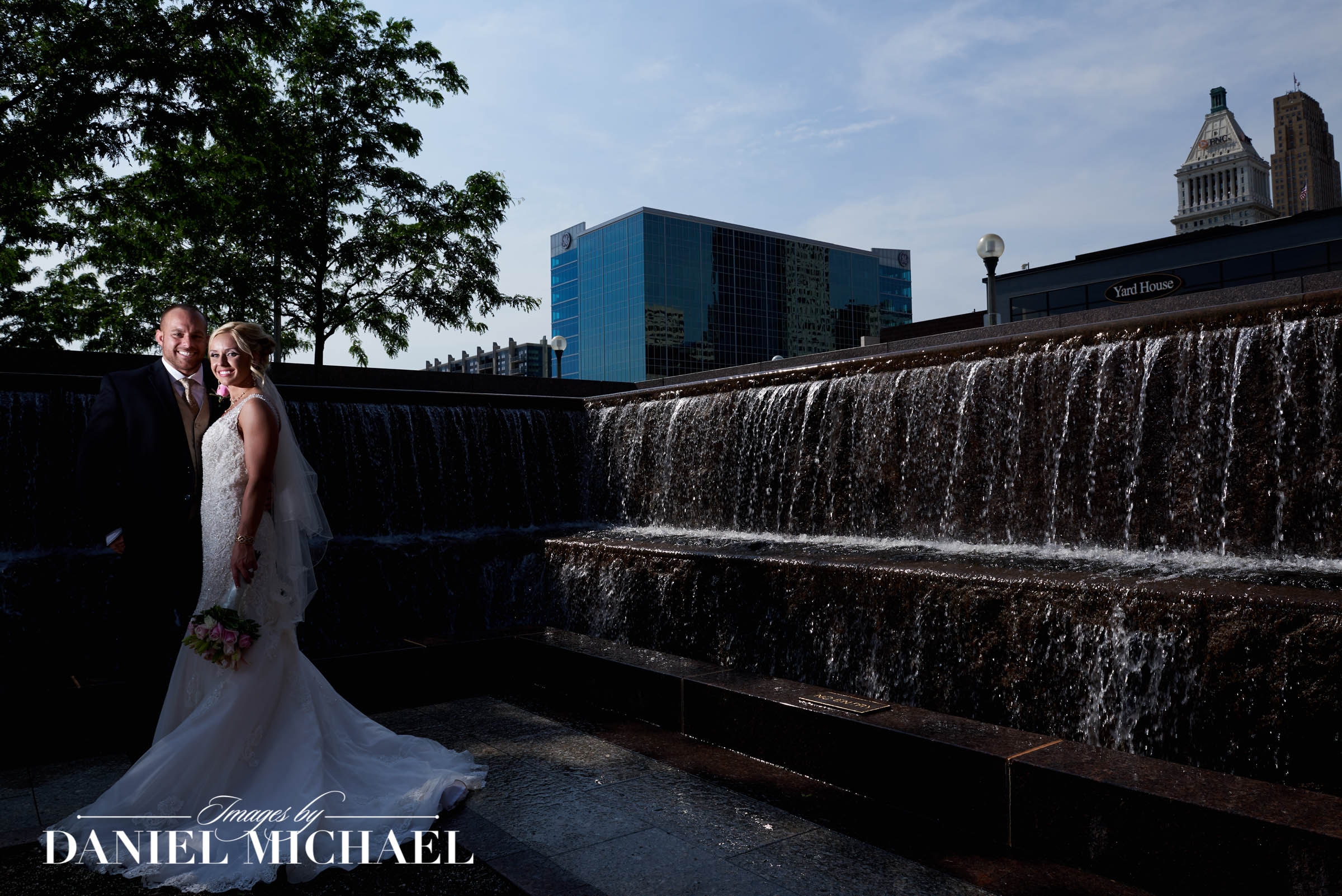 Smale Riverfront Park Wedding Photography