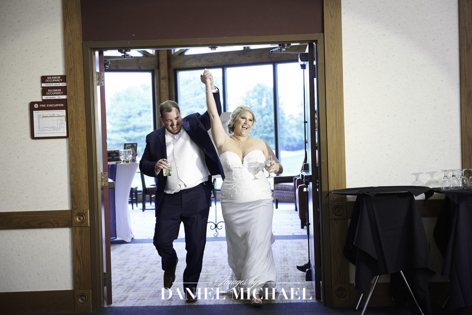 Oasis Wedding Reception Photography Cincinnati