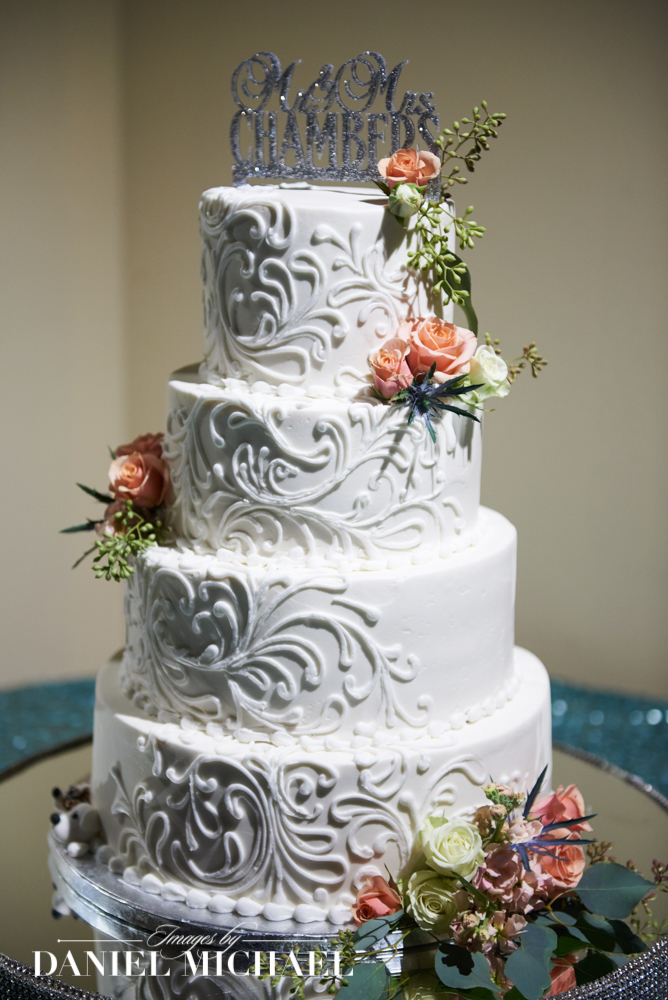 Tres Belle Cakes