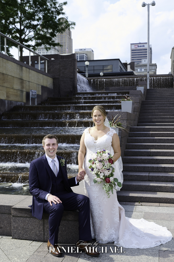 Wedding Couple Photography at Fountain at Smale Park