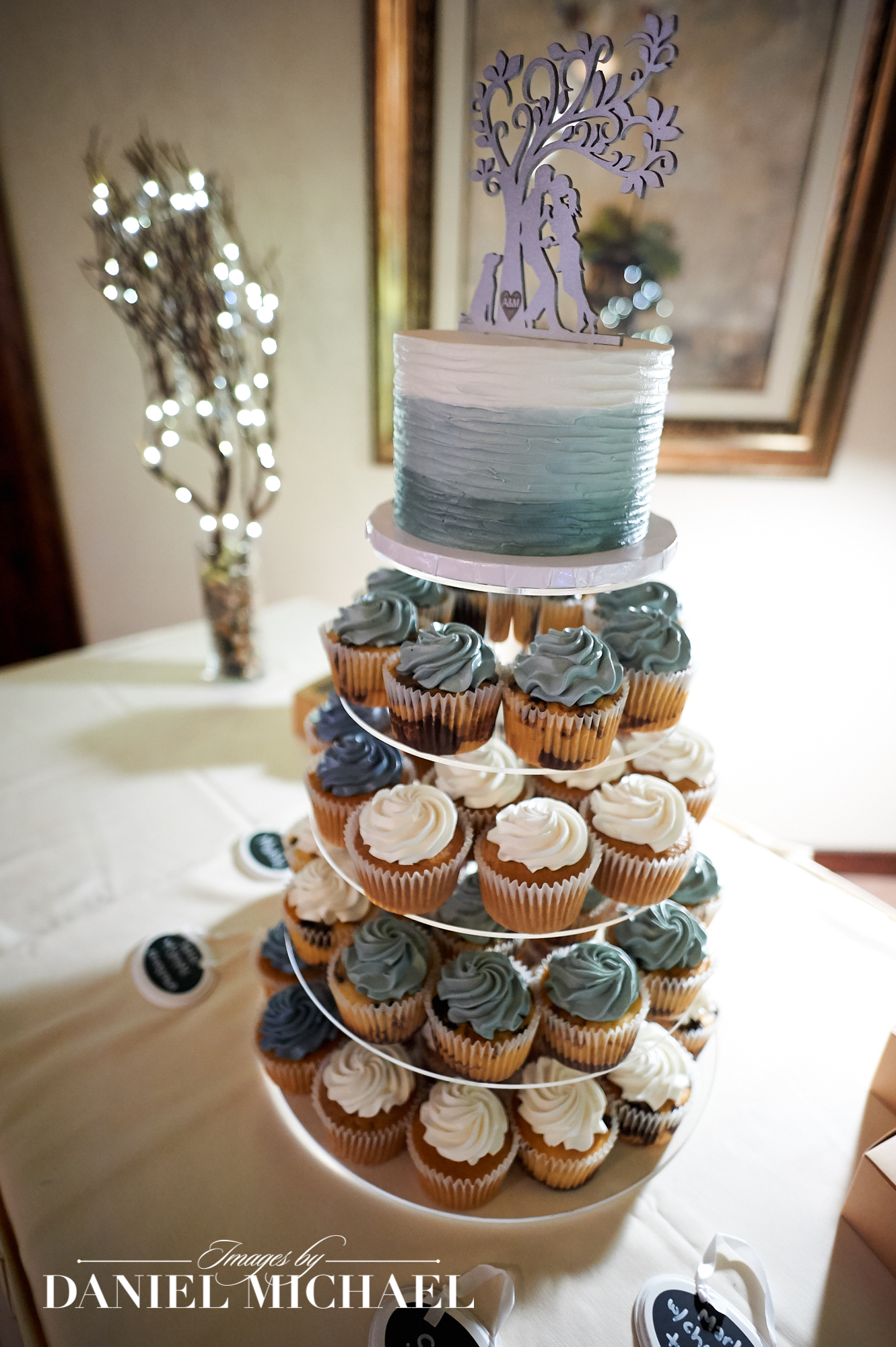Artrageous Wedding Cupcakes
