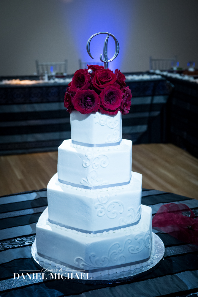 Tres Belle Wedding Cake