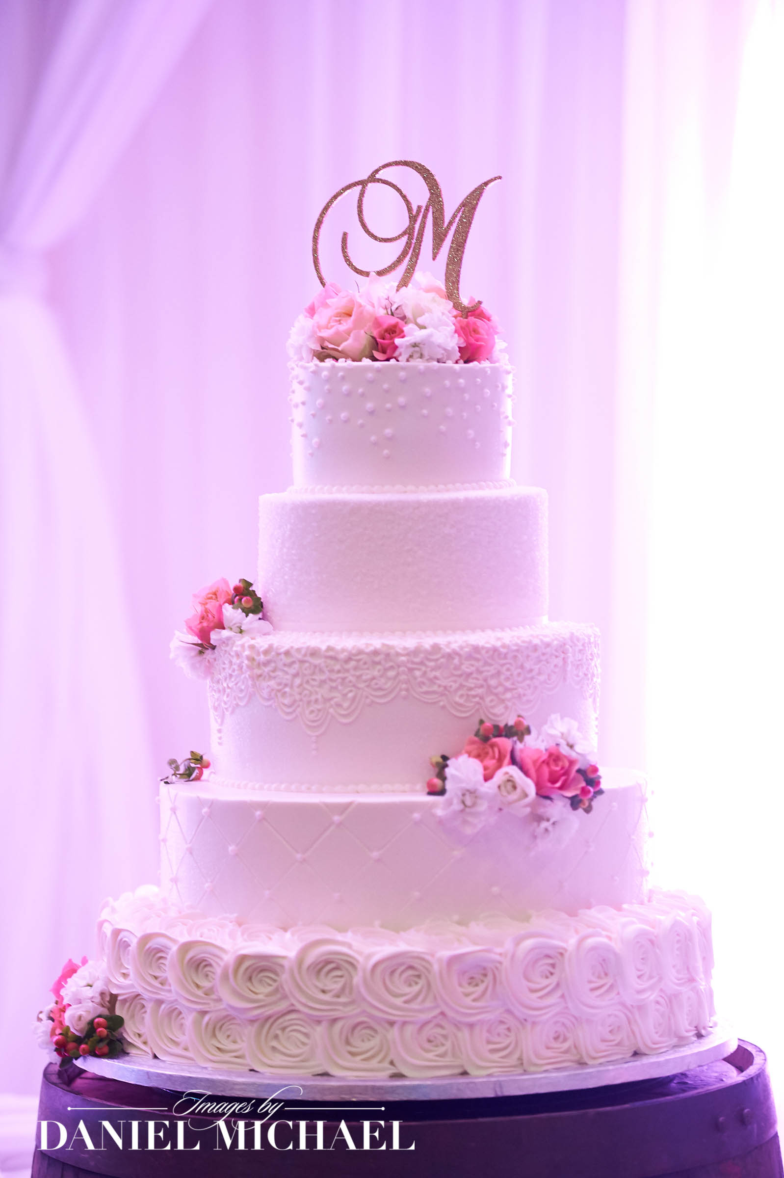 Wedding Cakes by Mindy