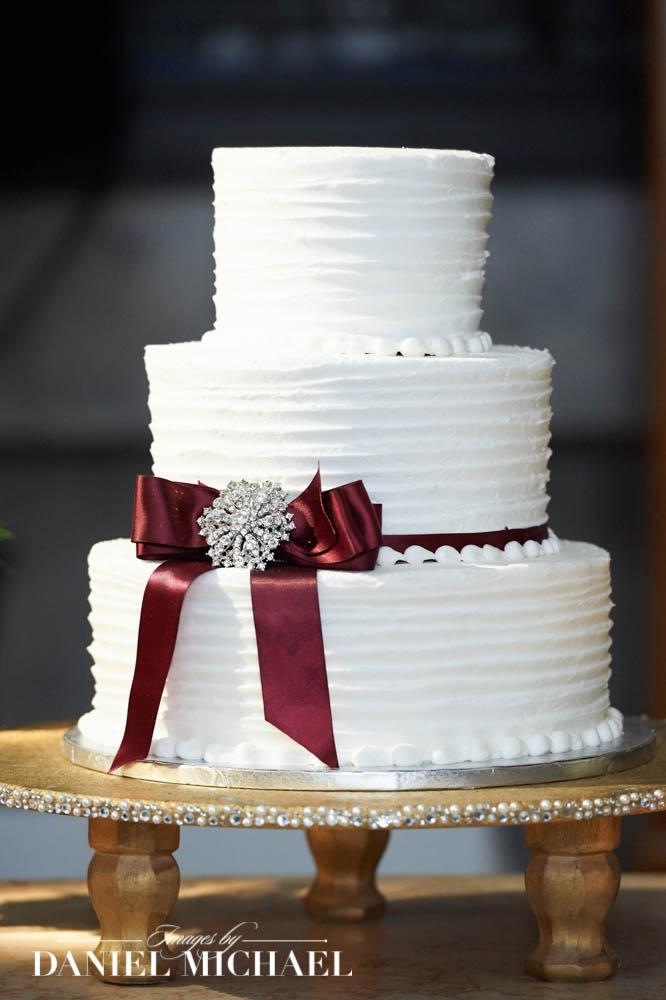 Tres Belle Wedding Cake