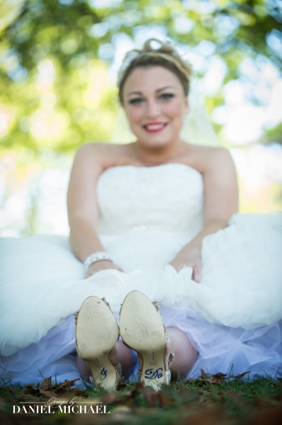 I Do on Bottom of Bride\'s Shoes