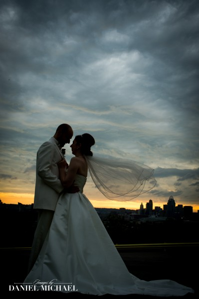Wedding Photos with Cincinnati Skyline